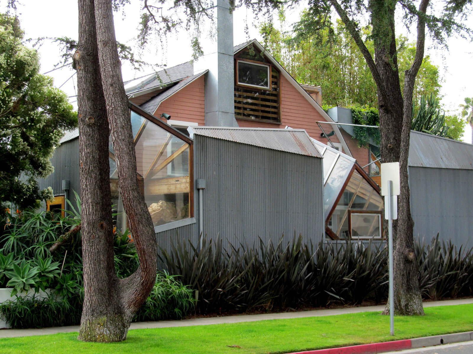 Gehry Residence Structure
