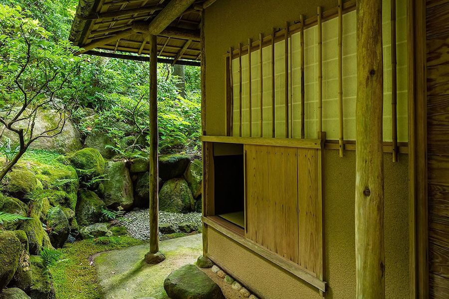 Nijiriguchi