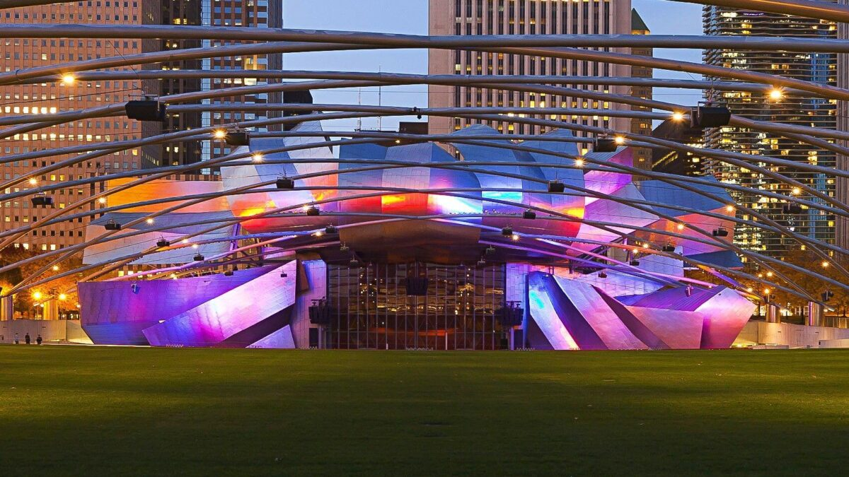 Jay Pritzker Pavilion: Get Some Insights Of This Innovative Piece Of Architecture