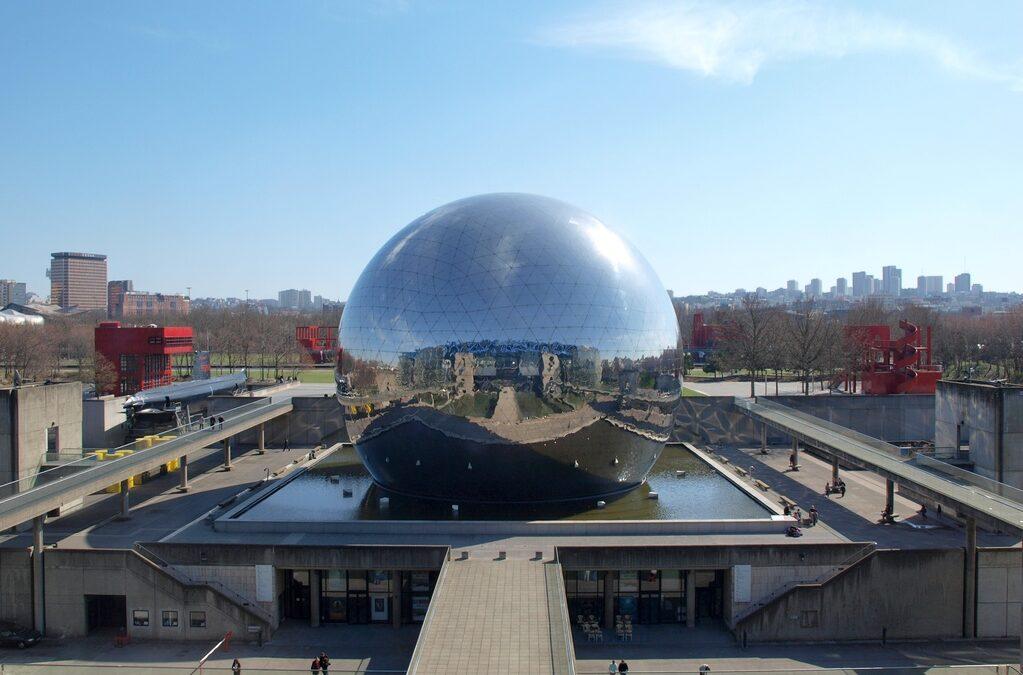 An Incredible Place to Explore in Paris: Parc De La Villette By Bernard Tschumi Architects