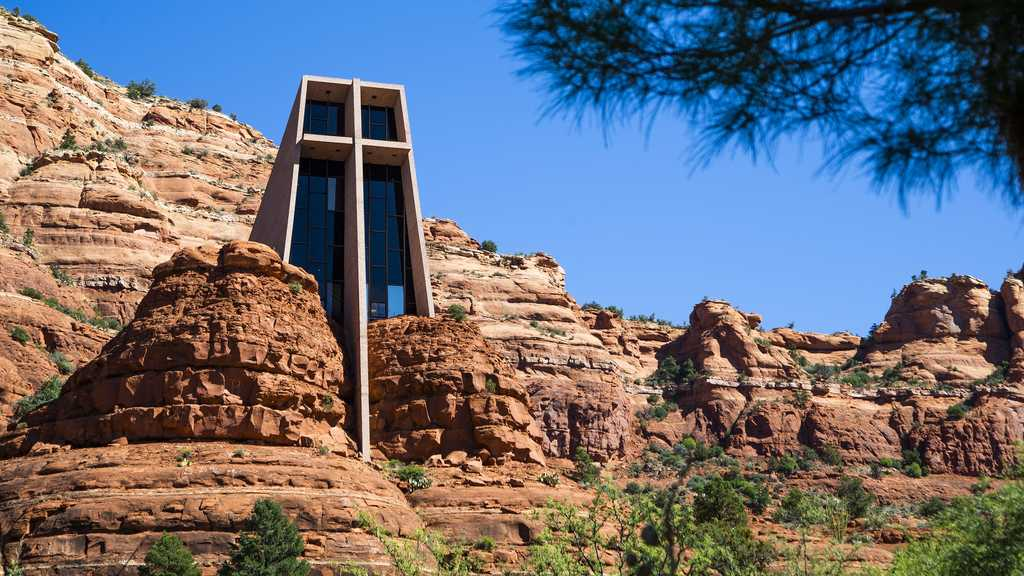 Chapel of The Holy Cross: A Church With an Idiosyncratic Structure