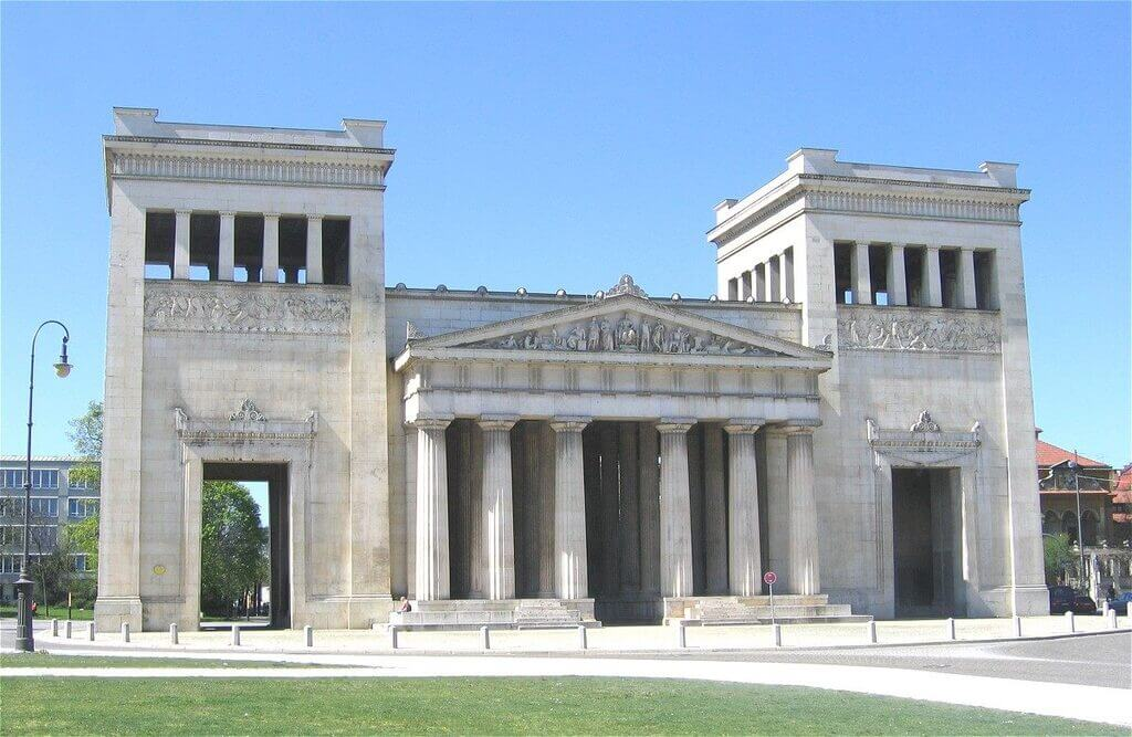 Greek Revival Architecture – America's First Architectural Style!