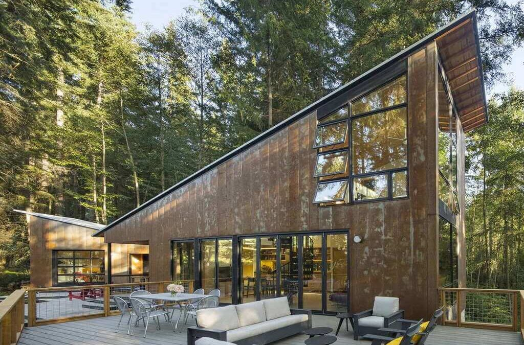 Little House Big Shed: A Peaceful Getaway in the Woods