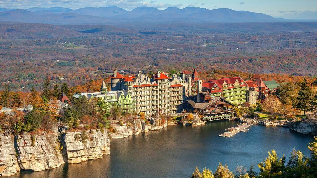 Mohonk Mountain House: A Luxurious Family Resort In Hudson Valley!