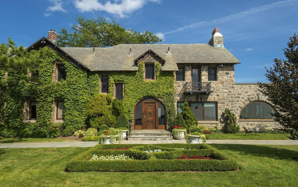 Let's See CT Home Designed by 'Great Gatsby' Architects