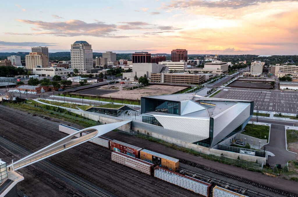 The Park Union Bridge of Diller Scofidio + Renfro: a Dynamic Loop That Connects Colorado Springs