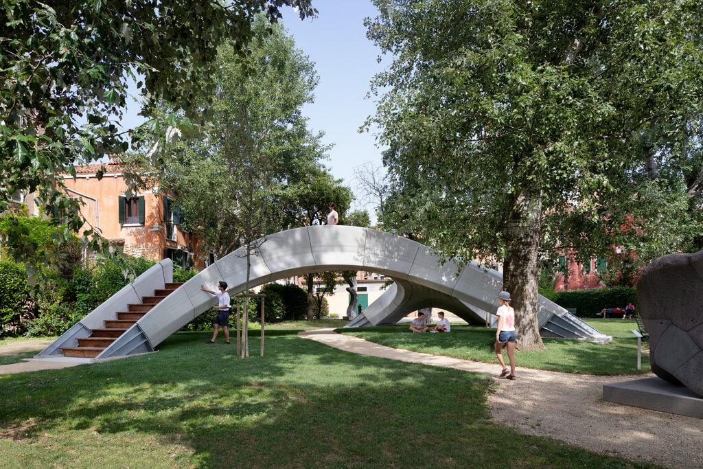 Striatus Bridge